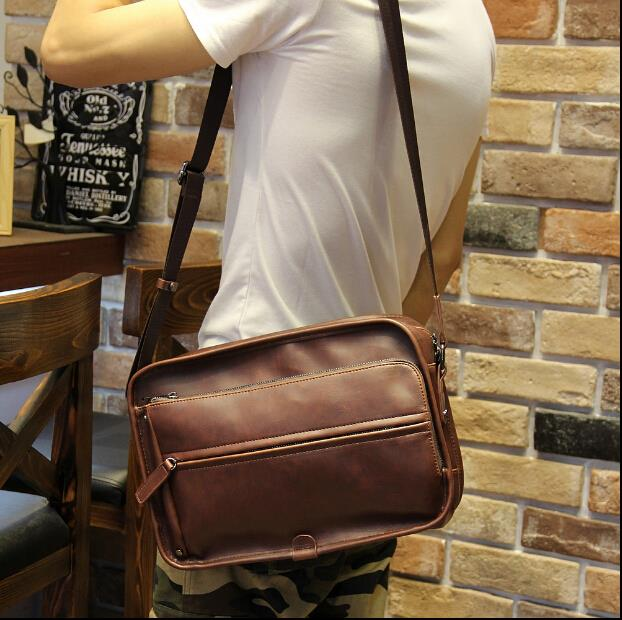 Metrosexual crazy horse leather Korean version messenger bag