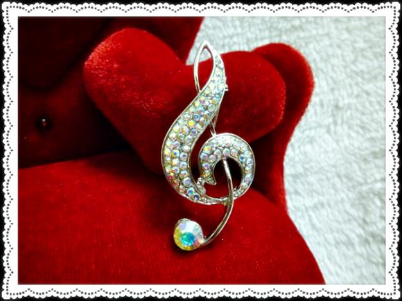 Musical Brooch (Free Shipping)