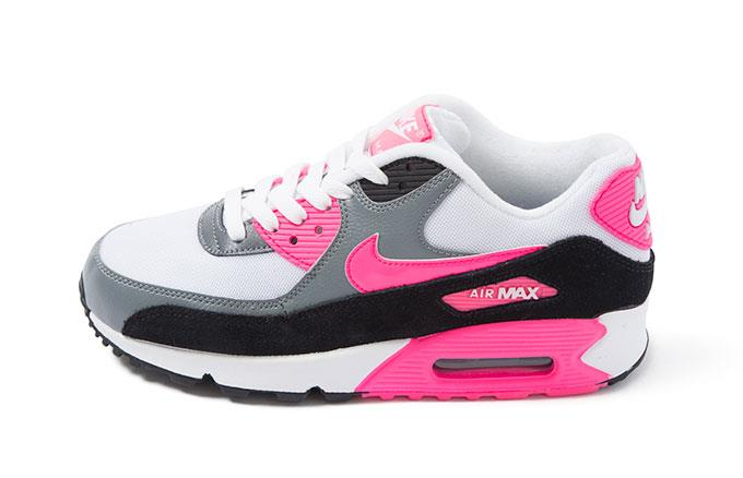 Sport Shoes Outlet Uk Courier