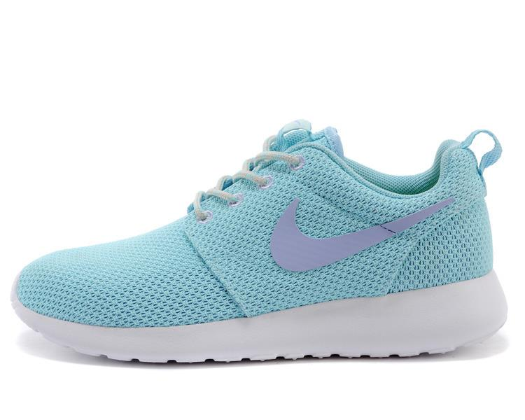 nike roshe run baby blue