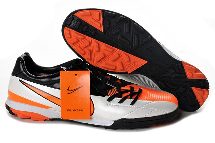 Nike Futsal Shoes 2012 http://www.lelong.com.my/nike-total-90-laser-iv