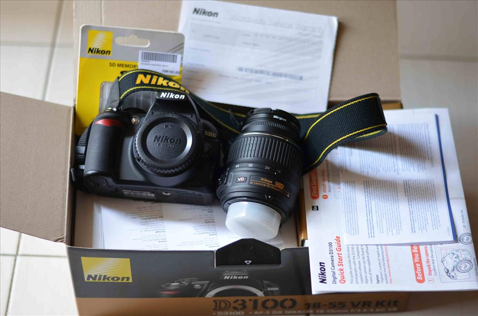 Nikon D3100 KIT Digital SLR Camera 18-55mm with NIKON BAG + 4GB