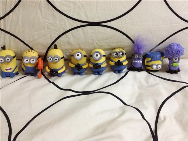 Original complete set (9 units) McDonald's Minion toys