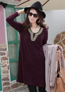 Pattern Embroidered Neckline Tunic (iKR051402)