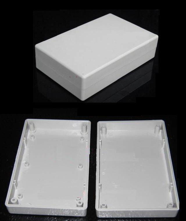 PC-18 PLASTIC BOX