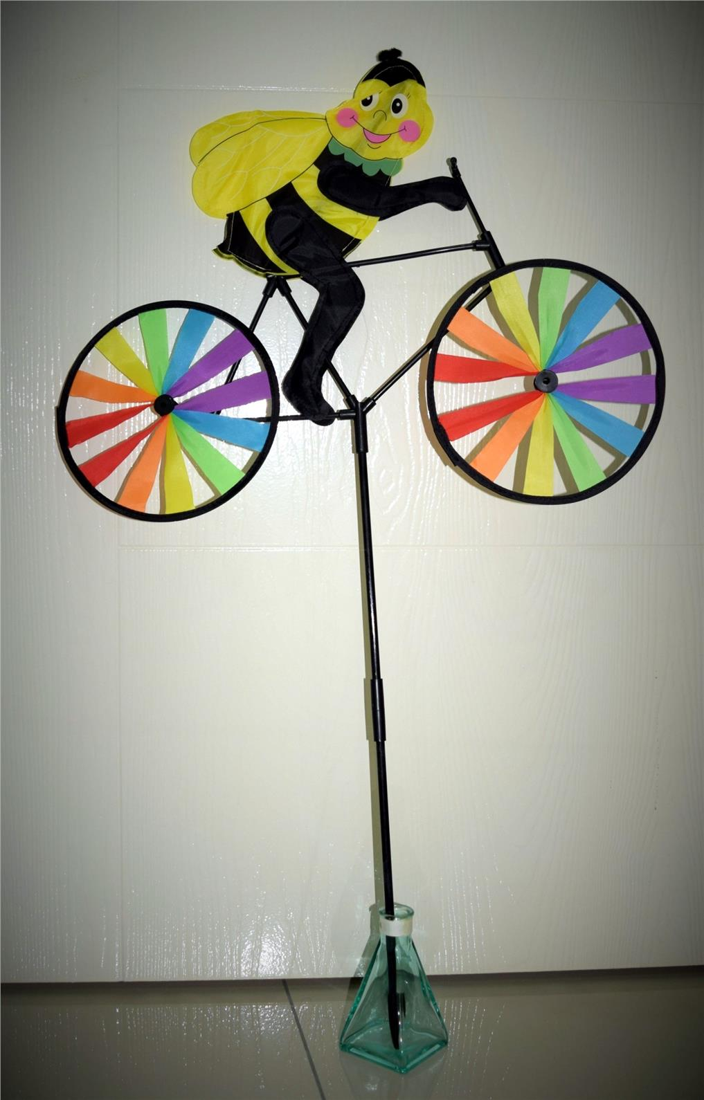 Pinwheel - Bee Riding Bicycle