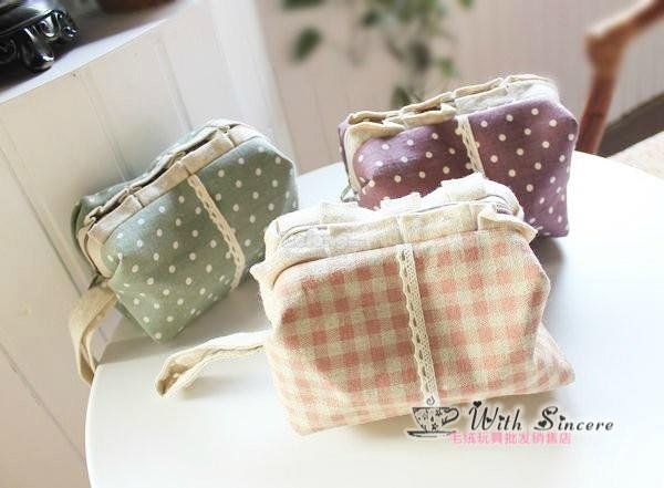 Polka Dot Make Up Pouch