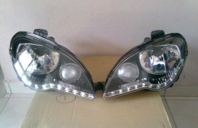Proton Gen 2 /Persona '05 Crystal Head Lamp LED DRL R8 [Black Housing]