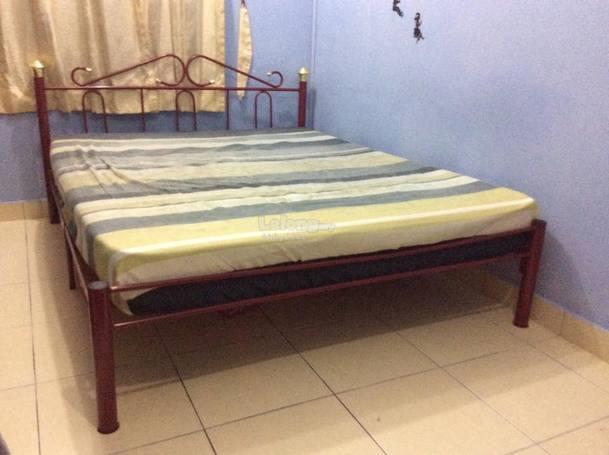 Metal Beds Queen Size Bed Frame Queen Size Industrial Bed: Used Queen Size Metal Bed Frame Maro (end 4/9/2017 11:10 PM
