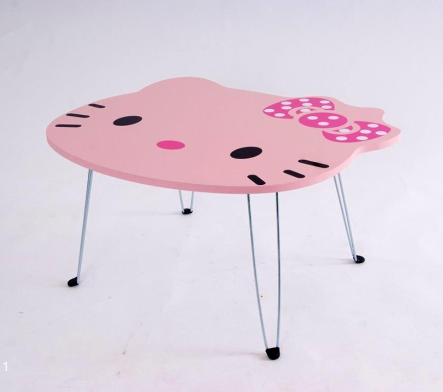 table bois hello kitty