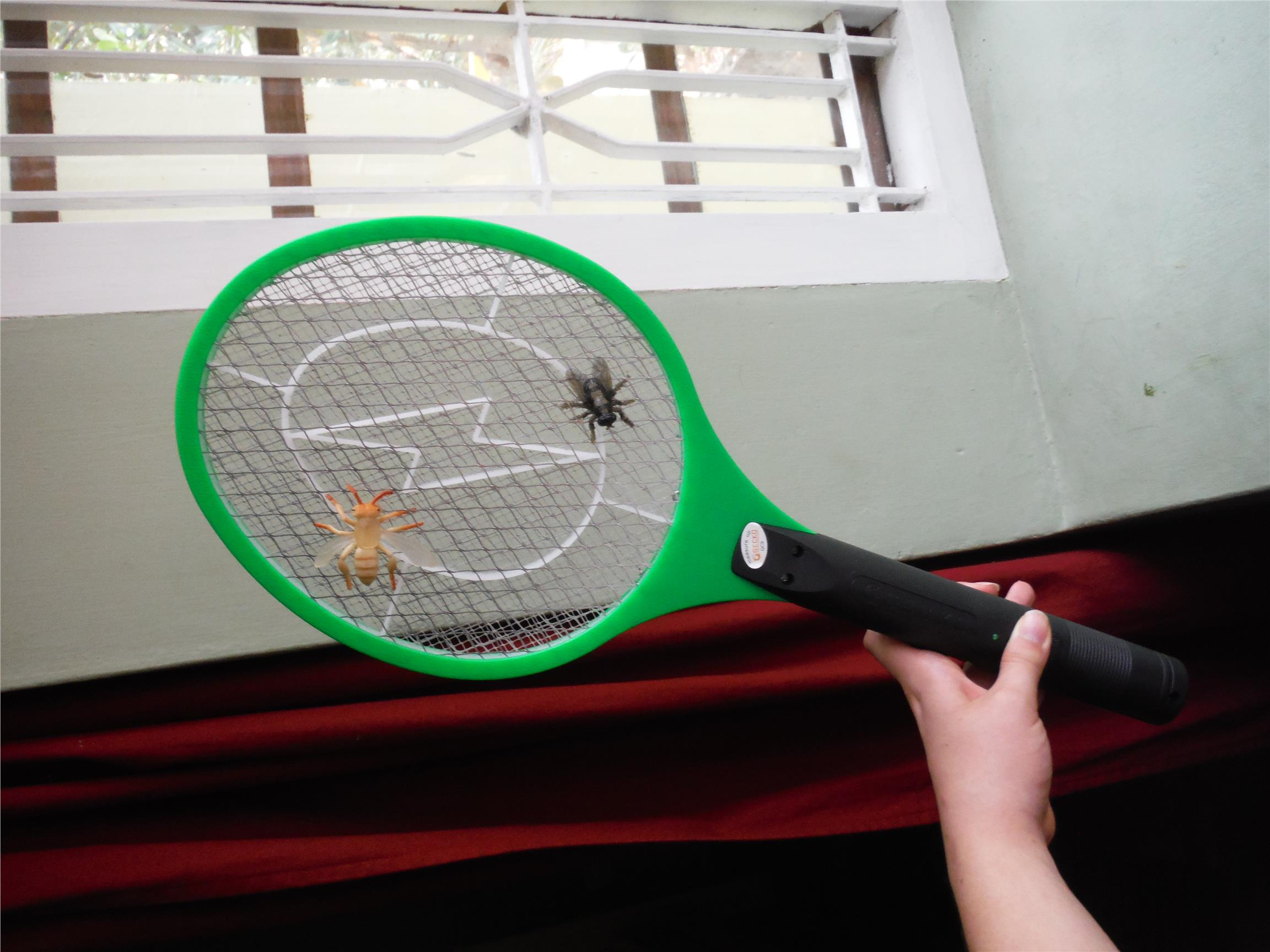 Rechargeable Electric Insect Bug Wasp Mosquito Zapper Swatter Racket