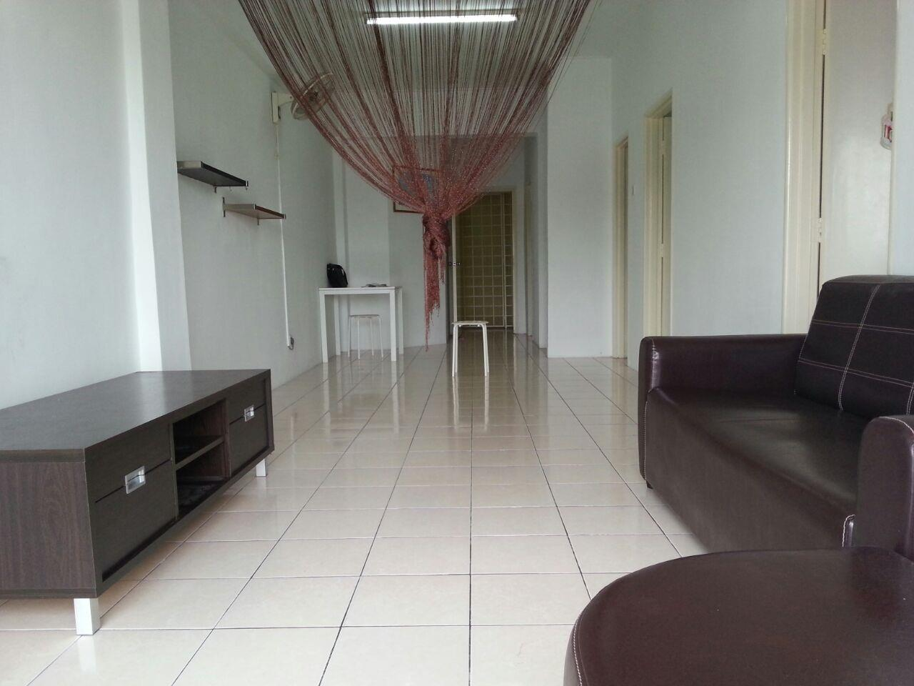 Red Ruby Apartment for sale, Well Kept Condition, Seri Kembangan