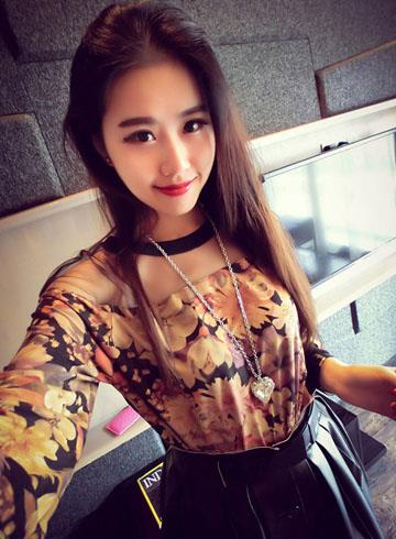 Retro Gauze Printing Long-sleeve Blouse (Flower)