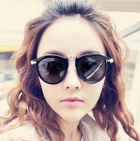 Retro Unisex Metal Flower-side Sunglasses