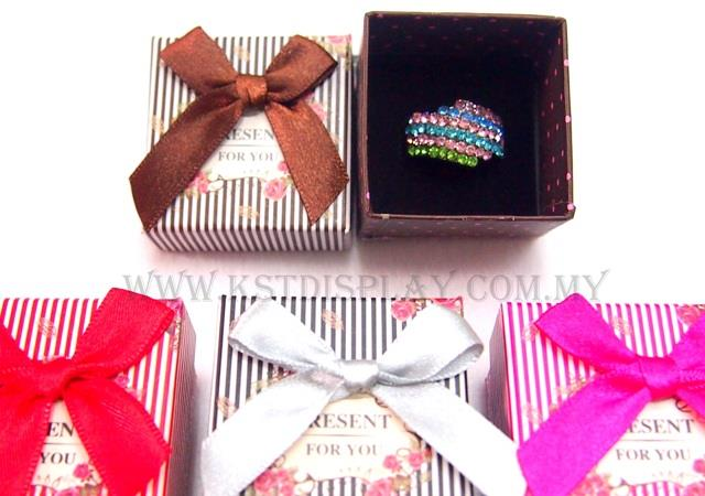Ring Box HTW (5x5cm - 24pcs)