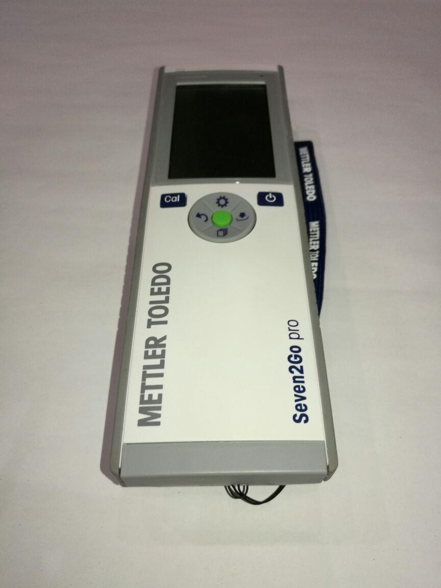 S7 Conductivity Meter with InLab 738 electrode