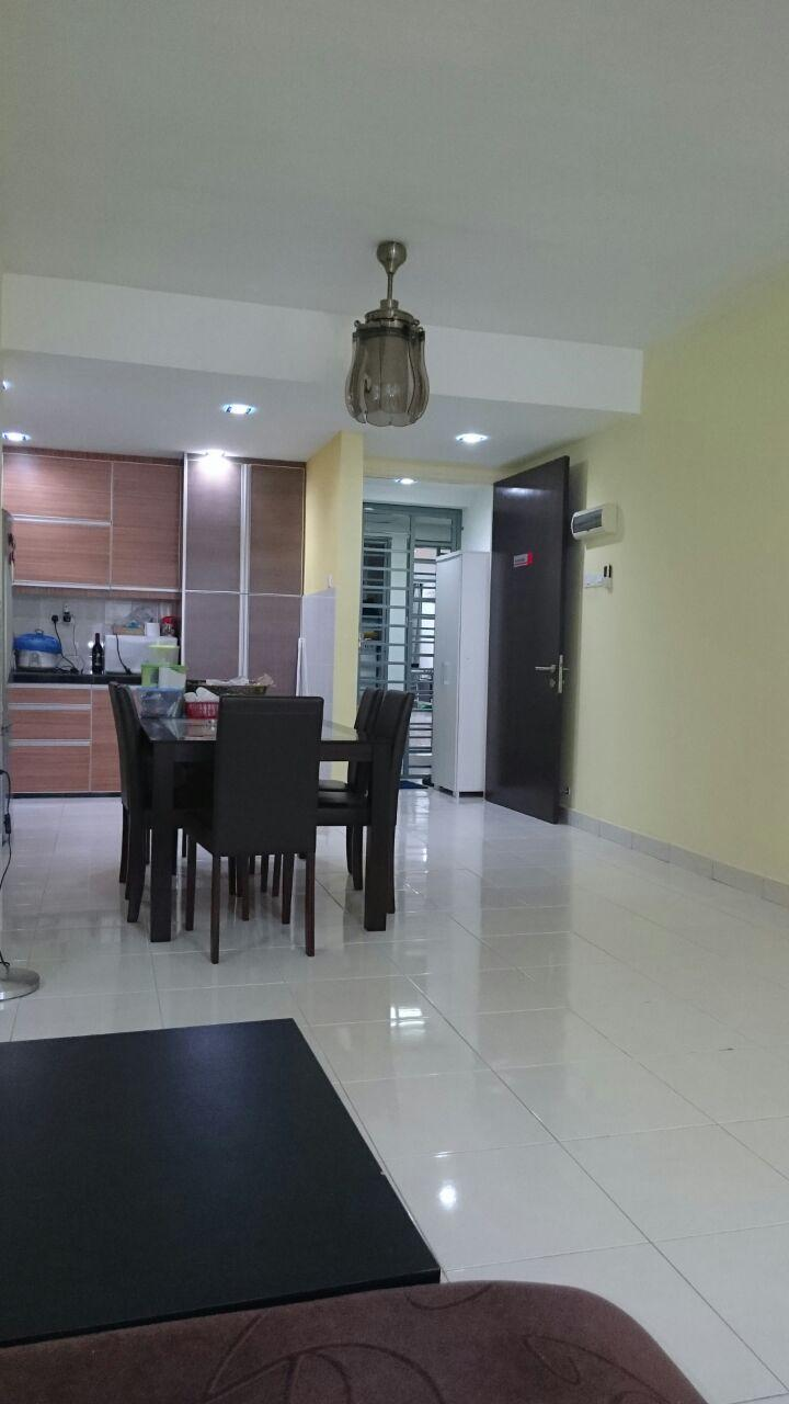 For sale Koi Kinrara Condo, 2 Car Parks, Easy Acce