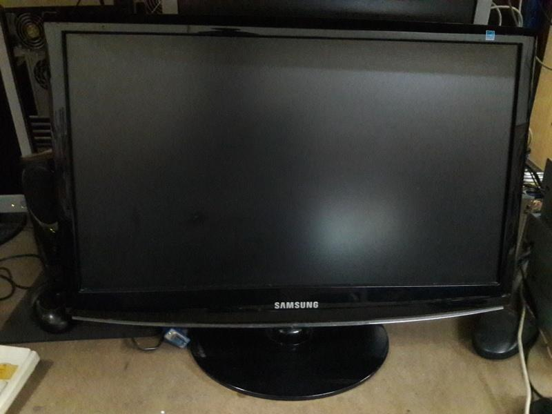 "Samsung SyncMaster 2233SW 21.5"" Wide LCD Monitor 130816"