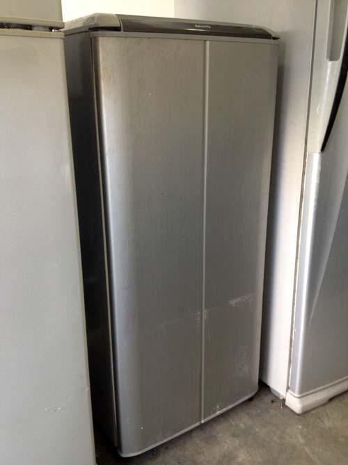 Sanyo 1 Door Refrigerator Fridge Peti Ais Sejuk Freezer