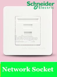Schneider Zencelo 1 Gang Data Outlet Category 5e  White