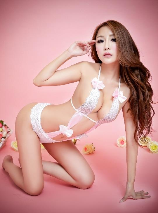 Sexy Lace Halter-style Flower-side One-pcs Suit