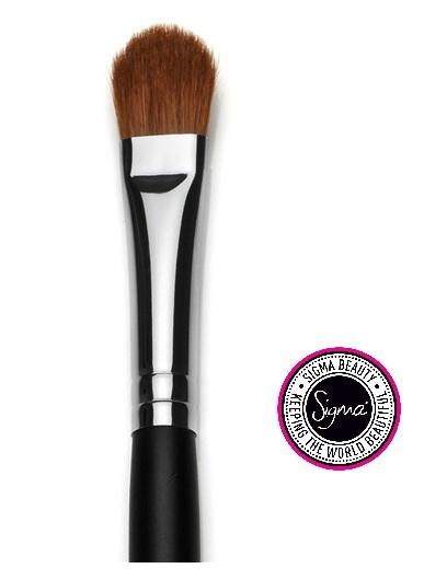 Sigma Beauty Shader Brush available at Luxola.com
