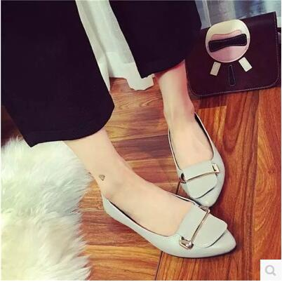 Simple wild-clothing buckle pointed flat sandal