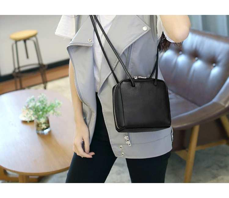 SLING BAG- BDW3728BLK