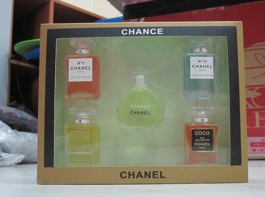sold miniature perfume CHANEL set *5 (Chance N19 N5 COCO)