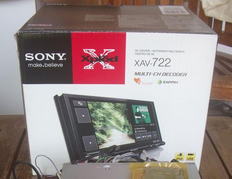 Sony Double Din 7' Monitor XAV-722 Bluetooth Touch Screen DVD Player