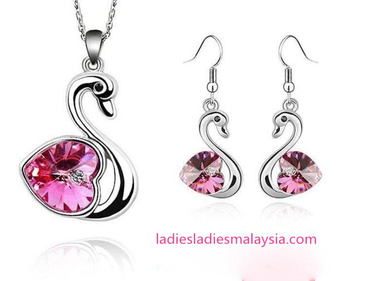 Swan Crystal Jewellery Set