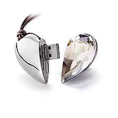 Swarovski Active Crystals collection - Heart Ware heart pendant
