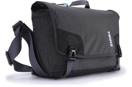 THULE PERSPEKTIV MESSENGER BAG FOR DLSR BODY + 15' MACBOOK