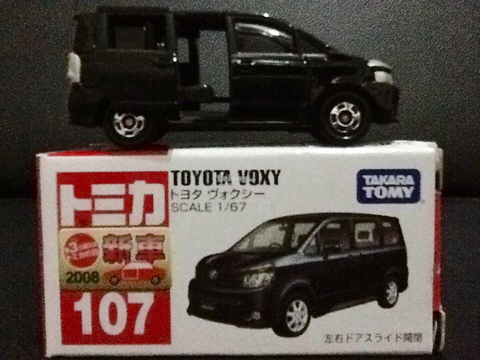 Tomica 107-6: Toyota Voxy (First Batch)