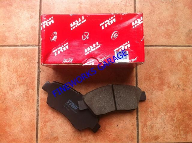 TOYOTA HILUX 1.8/2.4D 83'-91' BRAKE PAD TRW FRONT