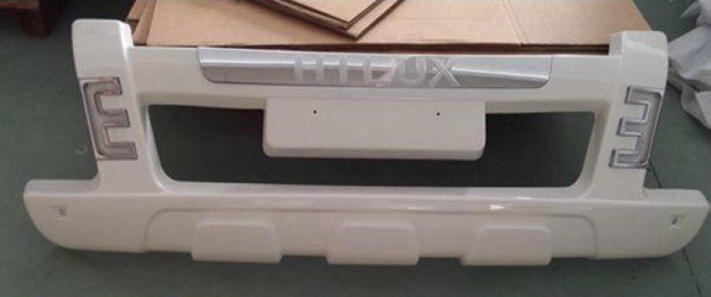 TOYOTA Hilux '12 Front Bumper Guard with LED