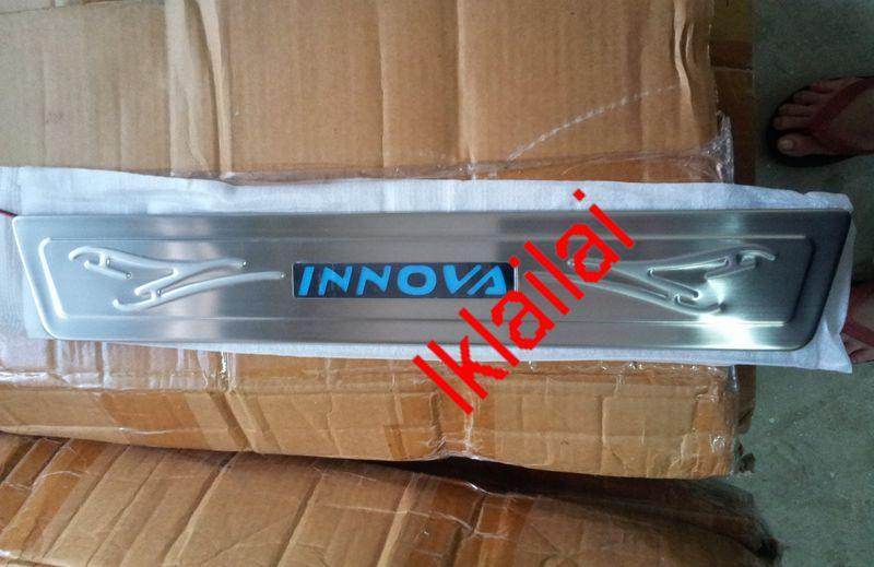 Toyota Innova Door/Side Sill Plate With LED Light [4pcs/set]