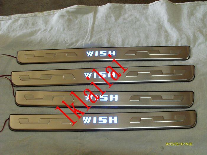 Toyota Wish '09 Door / Side Sill Plate LED