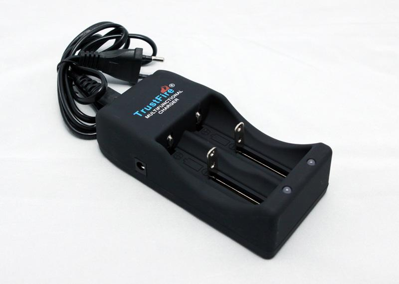 TrustFire TR-006 for 18650 / 26650 3.6V - 4.2V lithium-ion Charger