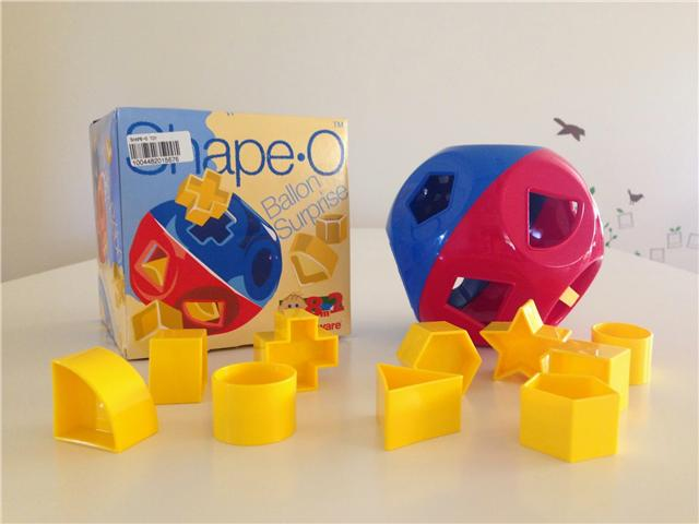 Tupperware Shape-O- Toy (1)