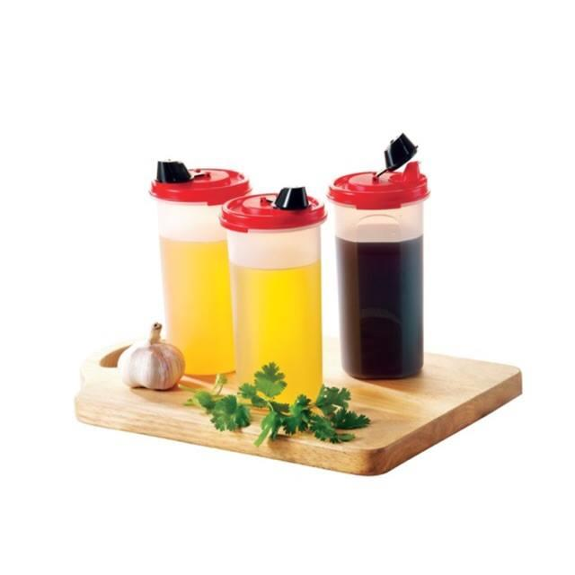 Tupperware Stor n Pour  (1) 650ml