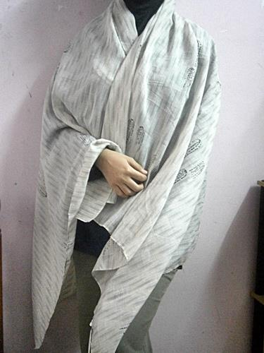 UNIQLO SHAWLS / HIJAB FOR WOMEN -White