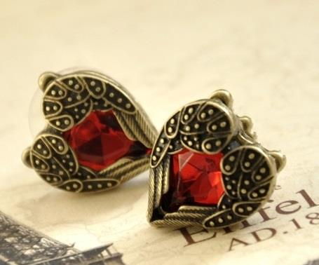Vintage Red Heart Stud Earring