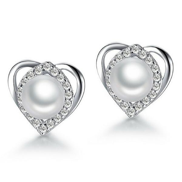 Vivere Rosse Charming Heart Pearl Stud Earrings