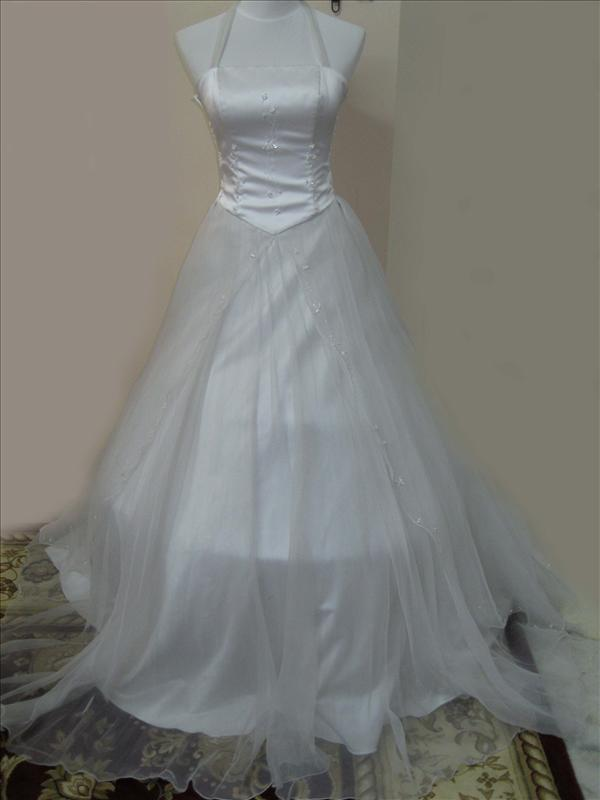 Wedding dresses for rent in malaysia for Rent my wedding dress