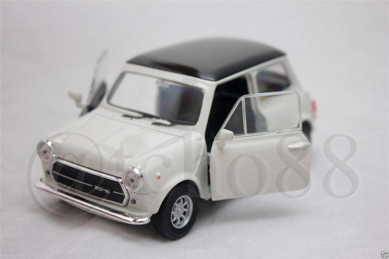Welly 1:34-1:39 DIE CAST Mini Cooper 1300 Car White Model Collection
