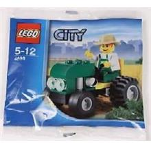 LEGO 4899 City Farm Tractor NEW / Christmas OFFER