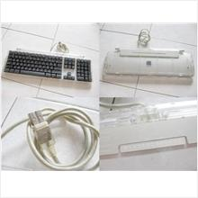 **Incendeo** - Apple Pro USB Keyboard