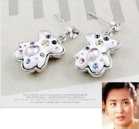 01063Sweet Korean pop jewelry diamond Tous Bear earrings