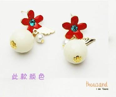 02109Korean diamond five flower beads earrings